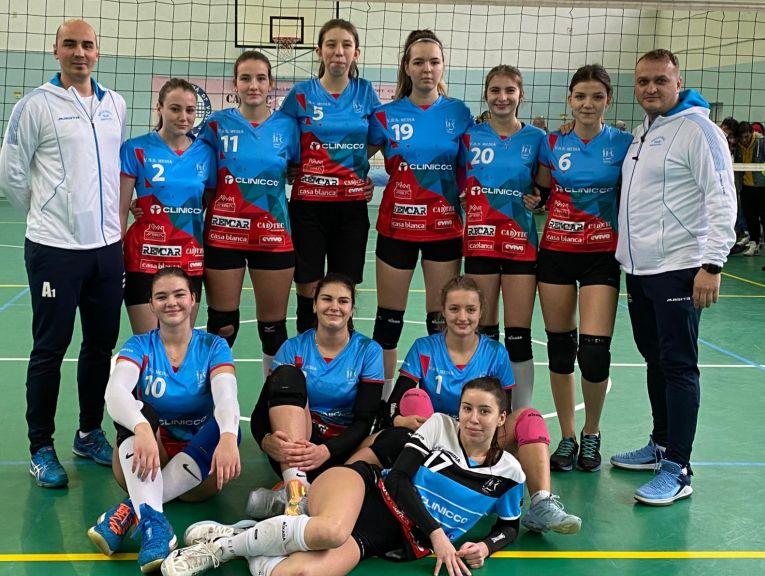 Echipa de junioare Bravol Brașov după victoria din etapa a șaptea a campionatului 2019/ 2020