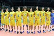 Componentii nationalei masculine de volei a României Under 18, la intonarea imnurilor