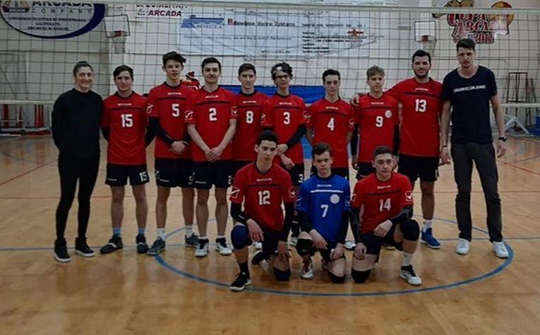 Poza de grup a echipei Arcada Galati după victoria din etapa a opta a campionatului 2019/ 2020
