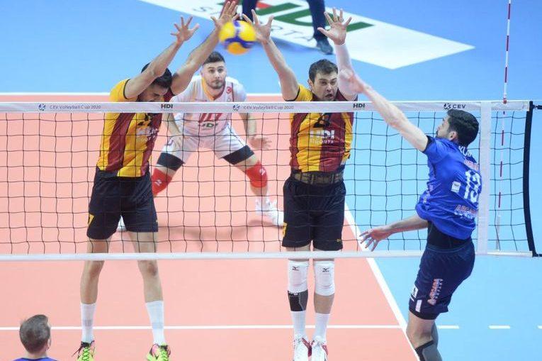 Arcada a învins cu scorul de 3-2 pe Galatasaray