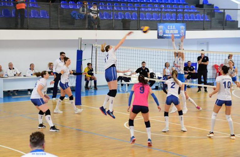 Loredana Filipaș, falsul echipei CSO Voluntari, în atac în meciul câștigat cu CSM Lugoj