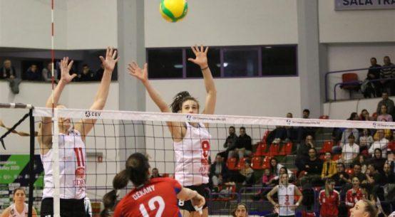 Volei Alba Blaj la blocaj în meciul din Liga Campionilor la volei feminin