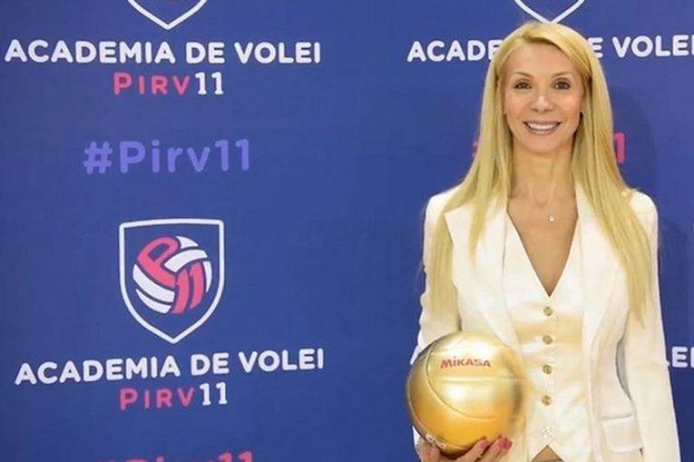 Cristina Pîrv, la inaugurarea Academiei de Volei Pîrv 11, care a avut loc la 11.11.2019