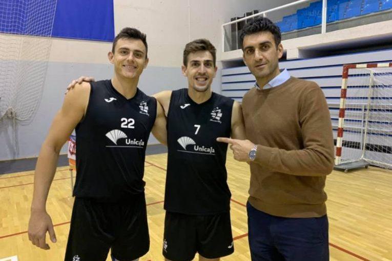 Bogdan Olteanu, alături e doi dintre clienții săi, care joacă în campionatul Spaniei