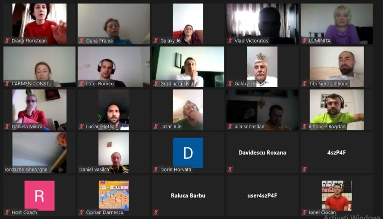 O parte dintre participanții la Cursul de Perfecționare al Antrenorilor, susținut online