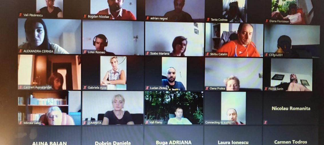O parte dintre antrenorii care au participat la reuniunea online de miercuri