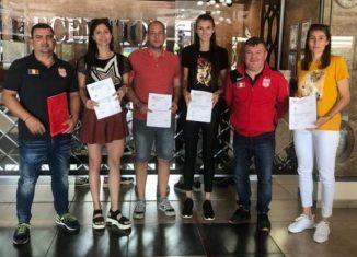 Fotografia oficială de după semnarea contractelor cu cele trei jucătoare din Bulgaria și cu Milos Gavrilovic