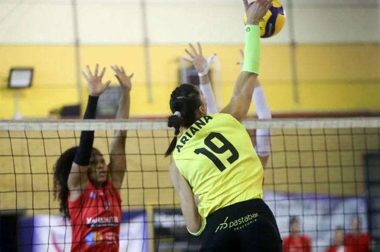 Ariana Pîrv face un nou punct pentru AEK Atena