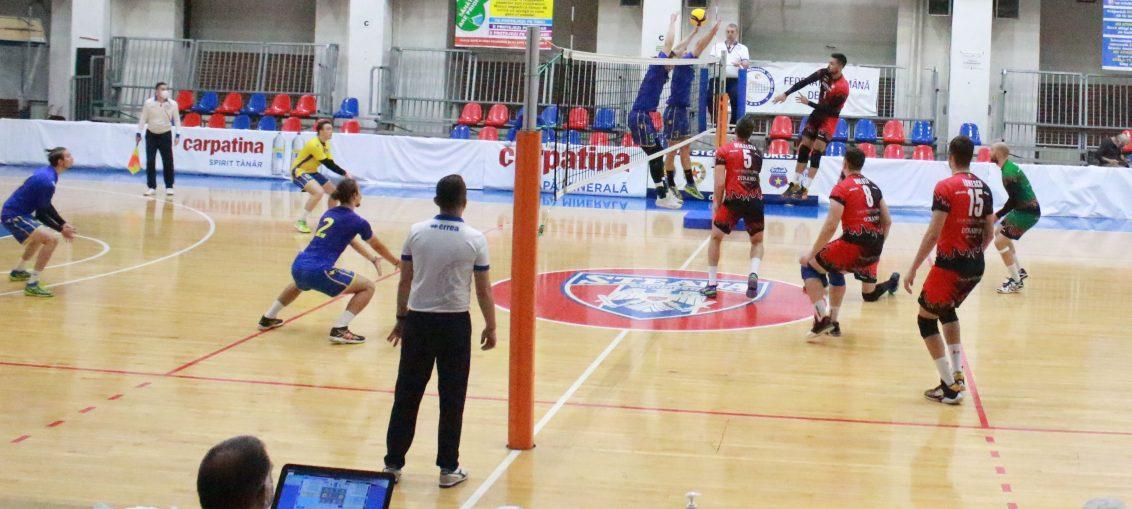 Fază de joc din Dinamo - UV Timișoara 3-0