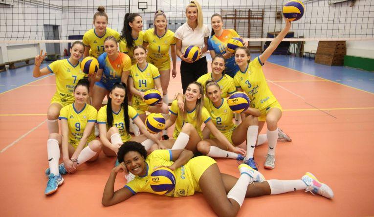 Bucuria fetelor de la ACS Volei Cristina Pîrv