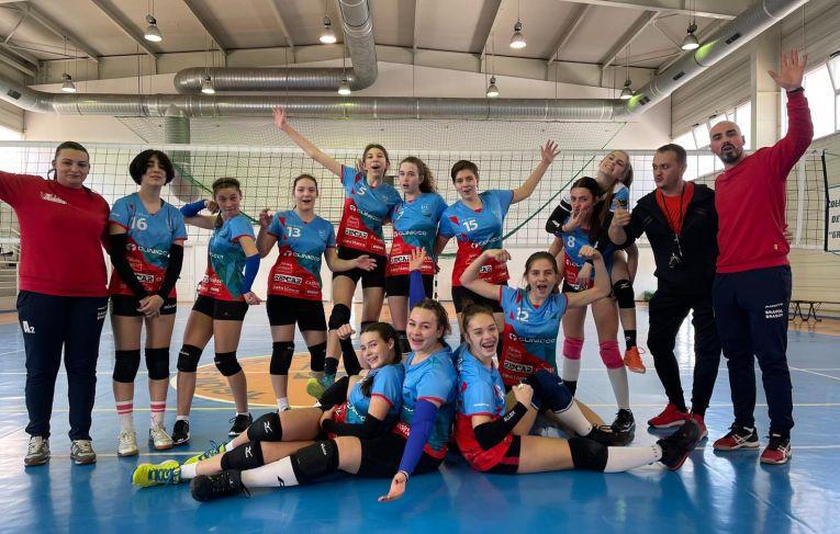 Bucuria cadetelor de la Bravol Brașov după a doua victorie din turneul 1 al campionatului 2020/ 2021