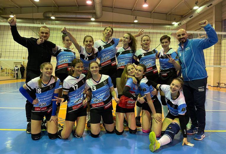 Echipa de cadete Bravol Brașov, după prima victorie din campionatul 2020/ 2021