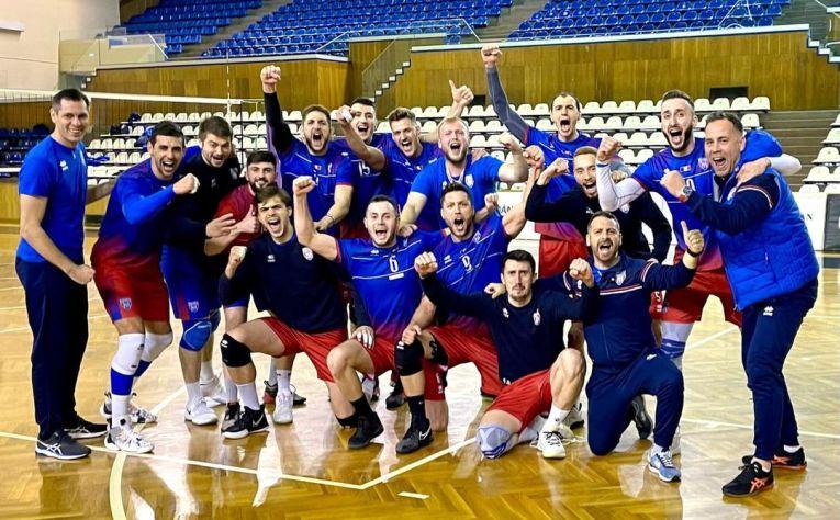 Steaua și bucuria calificării în grupa locurilor 1-4 cu o echipă formată 100% din români