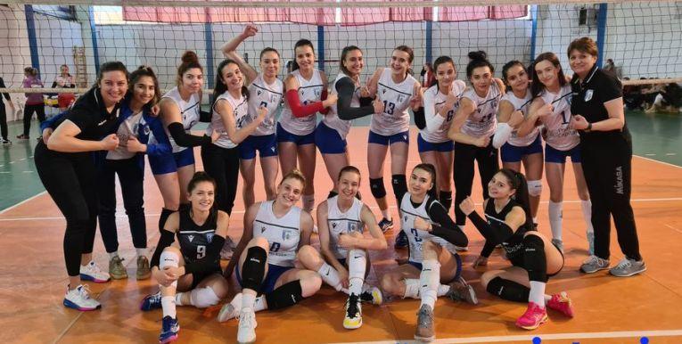 Echipa de junioare CSM București, după victoria cu Dinamo