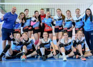 Echipa de cadete Bravol Brașov, după prima victorie de la turneul semifinal 2020/ 2021