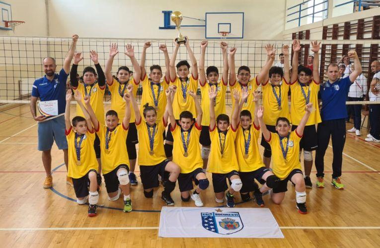 CSM București a cucerit pentru a doua oară consecutiv titlul la minivolei masculin