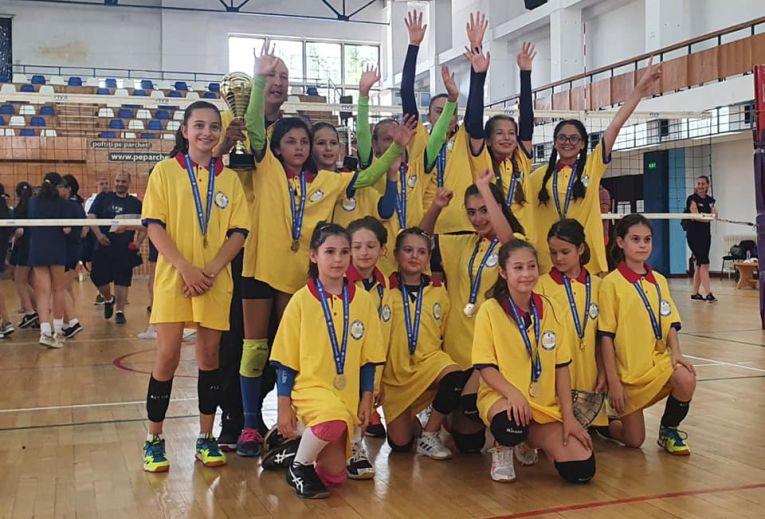 CSV Craiova a cucerit titlu de campioană națională la minivolei în campionatul 2020/ 2021
