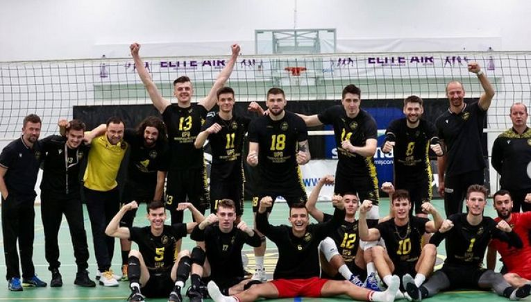 Bucuria celor de la Știința București după victoria din Cupa României, cu Unirea Dej