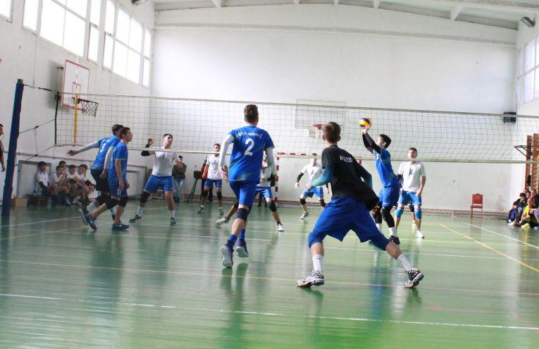 Tudor Constantinescu volleyabll setter junior romanian team CTF Mihai I