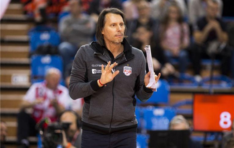 Gianni Cretu, antrenorul formatiei poloneze de volei Asseco Resovia