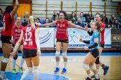 eliza varga si bucuria ei dupa victoria din Cupa Ungariei, cu Miregyhaza