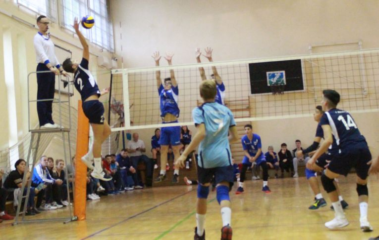 CTF Mihai I a învins cu 3-0 pe CSM Bucuresti in prima etapă a campionatului de volei pentru cadeti, editia 2019/ 2020