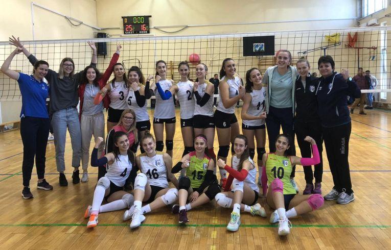 Echipa de junioare CSM Bucuresti, după victoria din etapa a doua a campionatului 2019/ 2020
