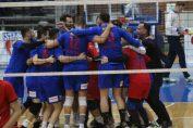 Tudor Constantinescu si coechipierii lui de la Steaua au facut fora bucuriei după meciul câștigat în Cupa României