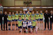 Jucătoarelor echipei feminine de volei CSM Lugoj, la poza de grup de dinaintea meciului cu Dukla Liberec, din Cupa Challenge 2019/ 2020