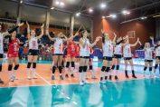 Voleibalistele formației Volei Alba Blaj sărbătoresc alături de fani prima victorie din Liga Campionilor 2019/ 2020