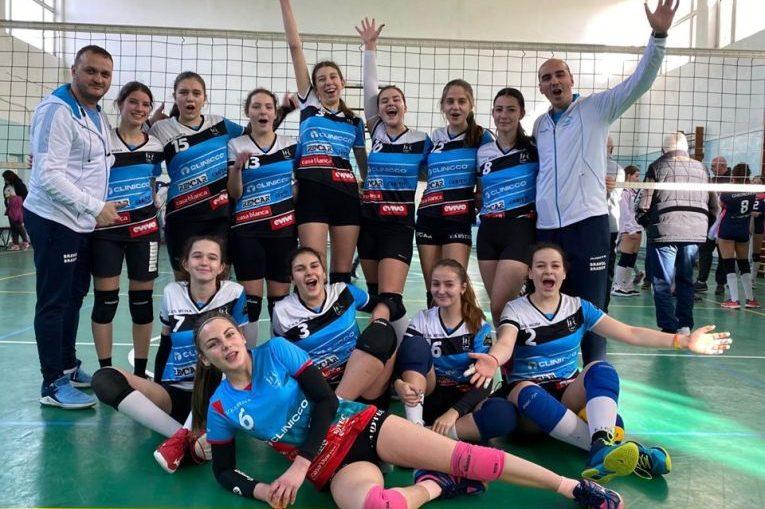 Echipa de cadete Bravol Brasov după victoria din penultima etapă a campionatului 2019/ 2020