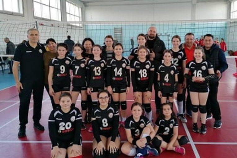 Echipa feminină de minivolei Atomic Blaj, calificată la turneul semifinal al campionatului 2019/ 2020