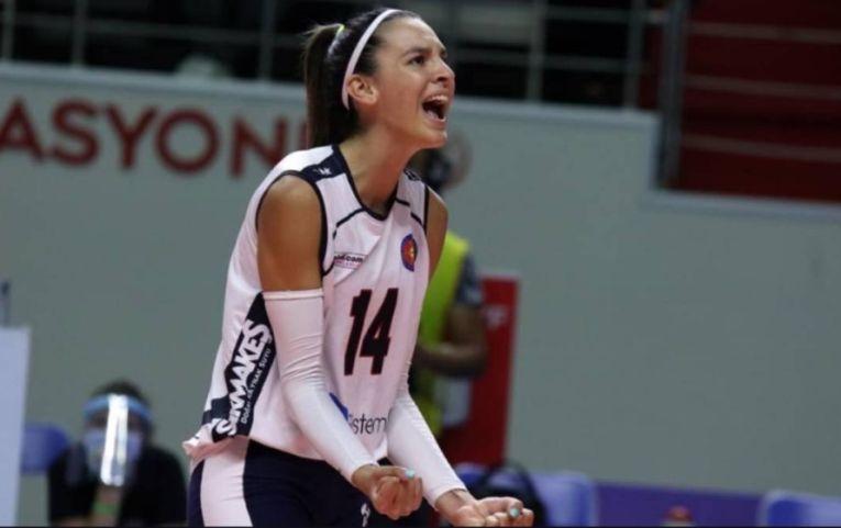 Alexia Căruțașu, bucuroasă după un nou punct reușit pentru formația turcă Yeșilyurt