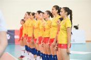Componentele naționalei României U17 cântă imnul
