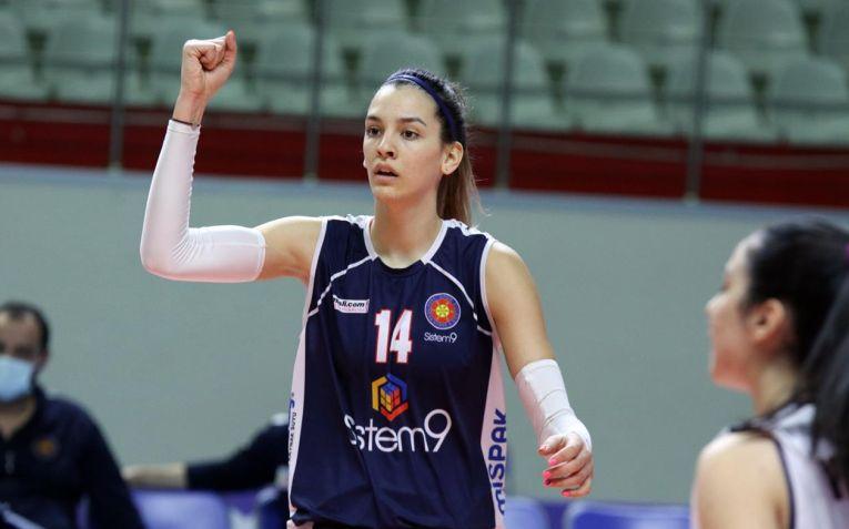 Alexia Căruțașu, voleibalista anului 2020 în România