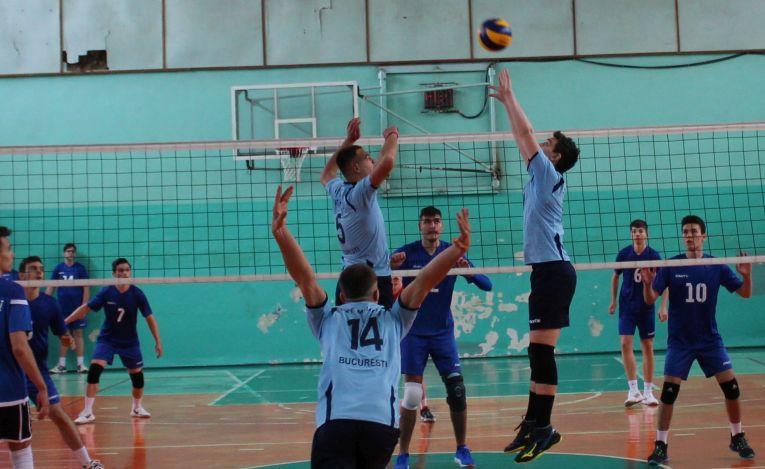 Tudor Constantinescu, romanian setter of junior team CTF Mihai I