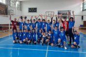 Cele două echipe de minivolei Nicu Gane Fălticeni