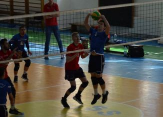 Tudor Constantinescu romanian setter of CTF Mihai I junior volleyball team