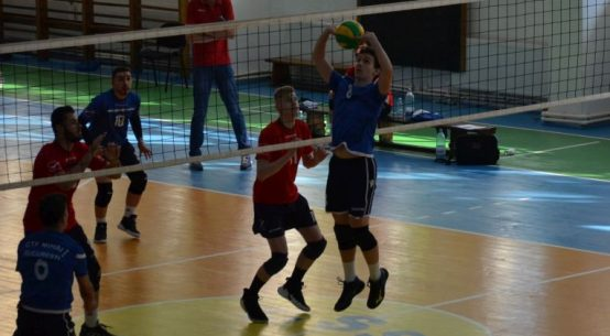 Tudor Constantinescu romanian setter of CTF Mihai I junior volleyball team