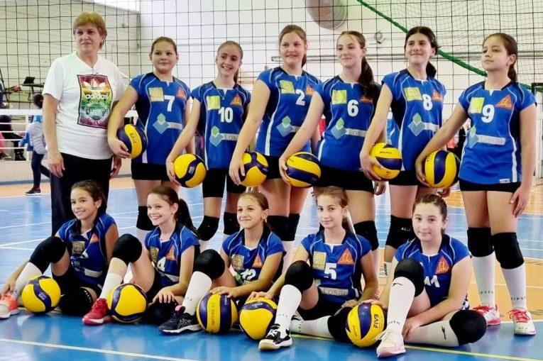 Echipa de minivolei Juvenil Brașov pentru campionatul 2021/ 2022